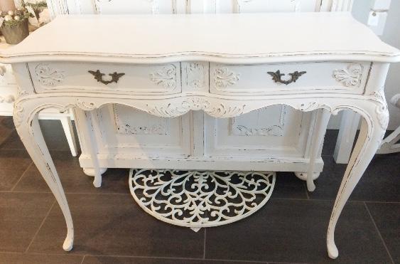 shabby chic beistelltisch daniela 39 s shabby chic boutique. Black Bedroom Furniture Sets. Home Design Ideas