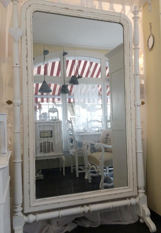 shabby chic spiegel daniela 39 s shabby chic boutique. Black Bedroom Furniture Sets. Home Design Ideas
